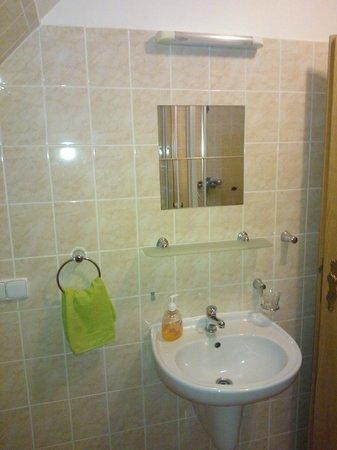 Pension Marketa: bathroom