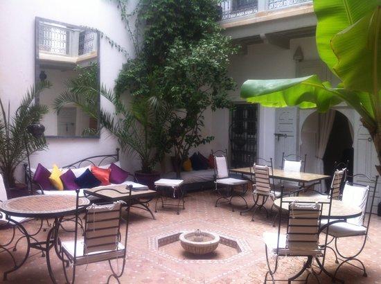Riad Dar Nabila: patio