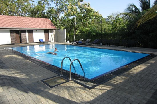 Joe's Habarana Village: Swimmingpool