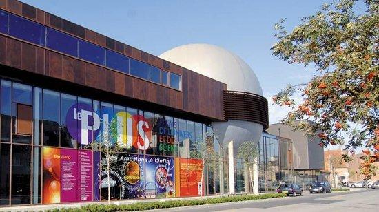 Palais de l'univers et des sciences