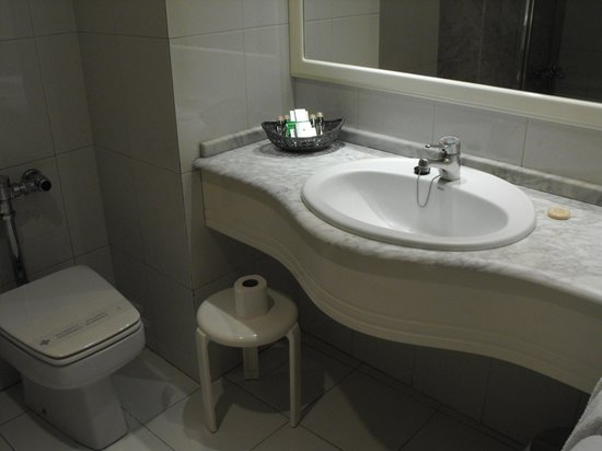Hotel Abando: BAÑO