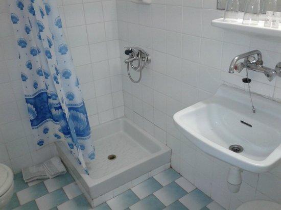Aegli Hotel: Il bagno