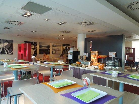 Ibis Styles Nice Aeroport: Breakfest room