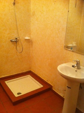 Hotel Farah Inn : La salle de bains...