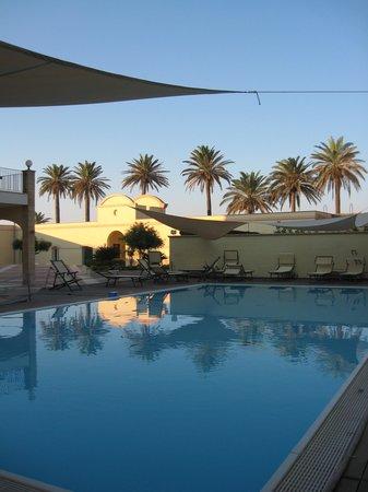 Mahara Hotel & Wellness : a piscina é simpática