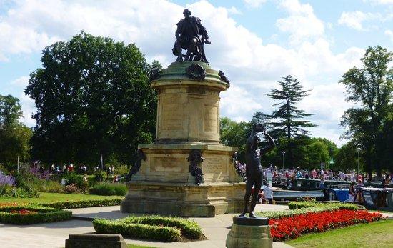 Bancroft Gardens