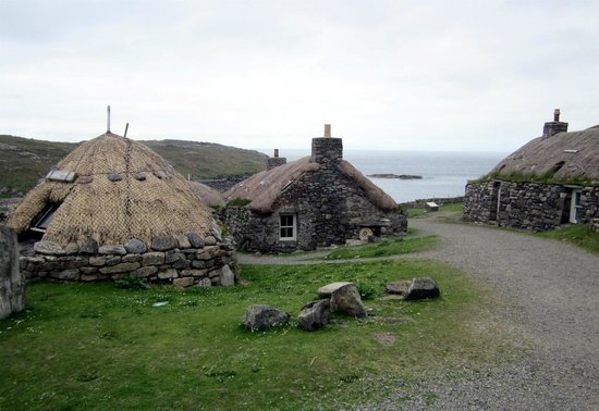 Gearannan Blackhouse Village: Looking towards sea at Gearannan