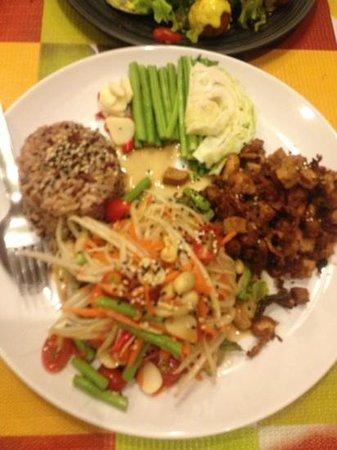 Tham Na Hometaurant: thaisald with mushroom fried and rice