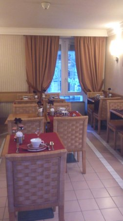 Hotel Royal Saint Michel: Muy pequeño e incomodo