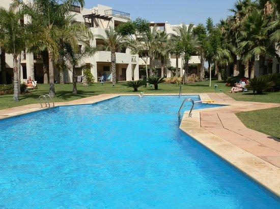 Roda Golf & Beach Resort: Communal Pool