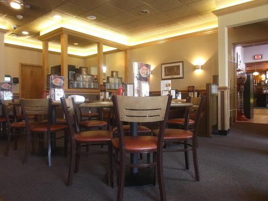 Texas Hot Lunch / 4 Sons: Un aperçu de l'intérieur photographié de notre table - 15 août 2013.
