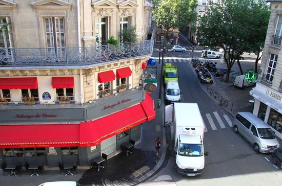 Hotel Bastille Speria : Street view from room