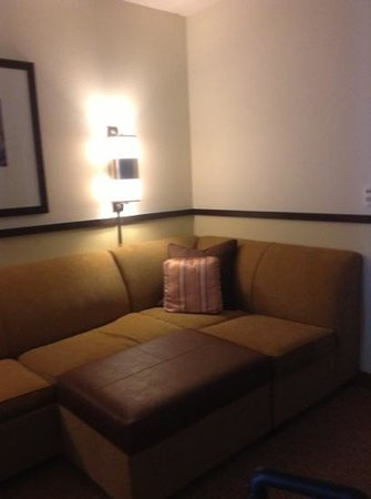 Hyatt Place Saratoga / Malta: living room