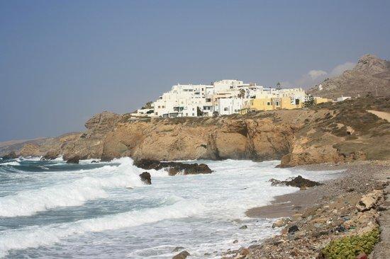 Ocean View si trova a Grotta Hill ed è in cima alla collina