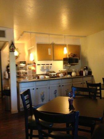 Open Hearth Lodge: breakfast