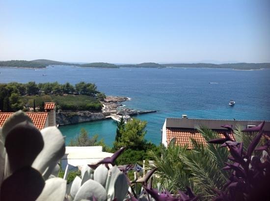 Villa Rosmarinus : Amazing views. Fantastic balcony to watch the world go by.