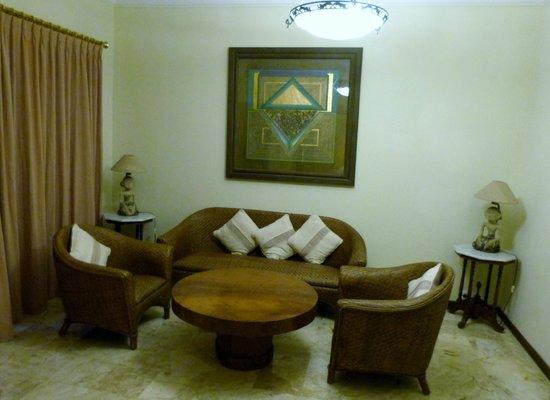 Hotel Puri Bambu: coin salon