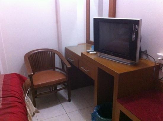 Havilla Maranatha Hotel: small room but all the necessities