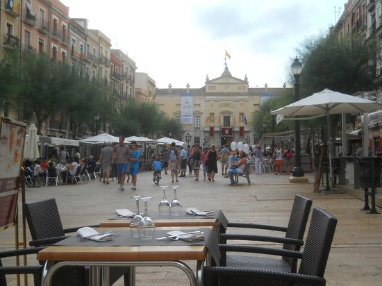 Hotel Placa de la Font: in piazza