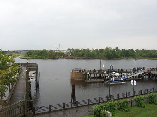 Best Western Plus Coastline Inn: vue depuis ma chambre (il pleuvait)