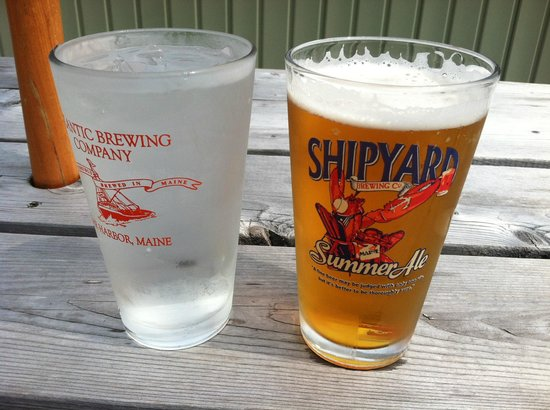 Cohill's Pub: Shipyard Summer beer