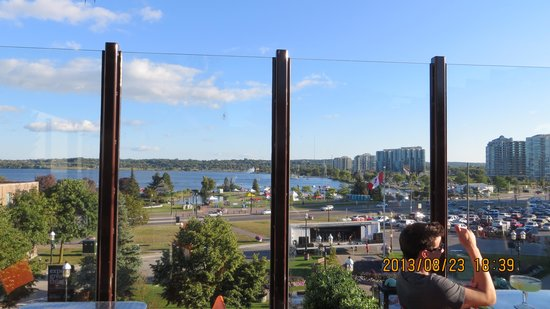 Barrie, Canadá: View of Kempenfelt Bay from the Sky Bank