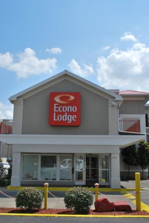The Econo Lodge Downtown