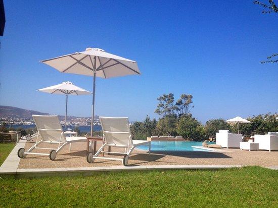 Roses Beach Hotel: Vue sur la piscine