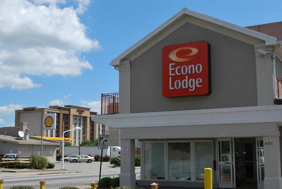 Econo Lodge Downtown: Hampton Inn View