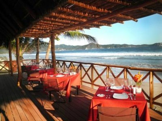 Chantli Mare Inn by the Sea: Beautiful dining