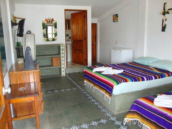 Hotel Las Olas: room