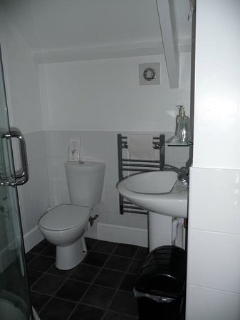 Rosalie Guest House: Room 6 en suite