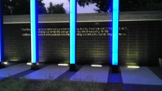 Gold Medal Park: 35W Monument