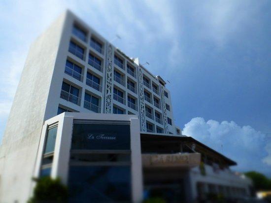 Hotel Napolitano: Vista diurna de la Fachada