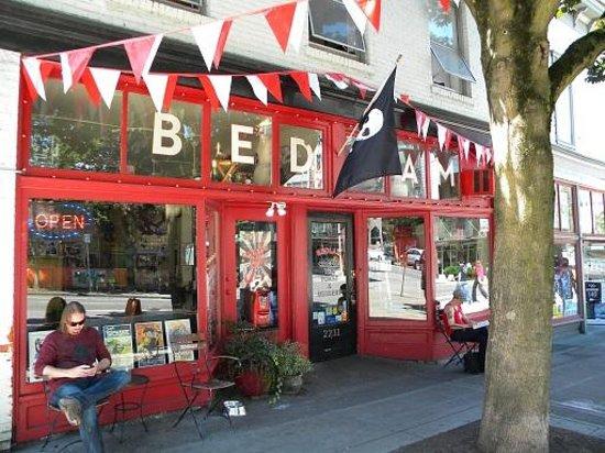 Bedlam Coffee: outside