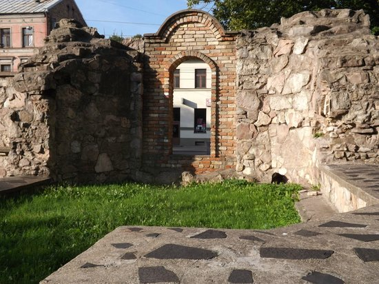 Great Choral Synagogue Memorial : Ruins of The Great Choral Synagogue