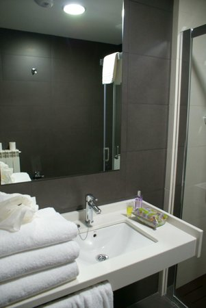 Sercotel Ciudad de Oviedo: Baño