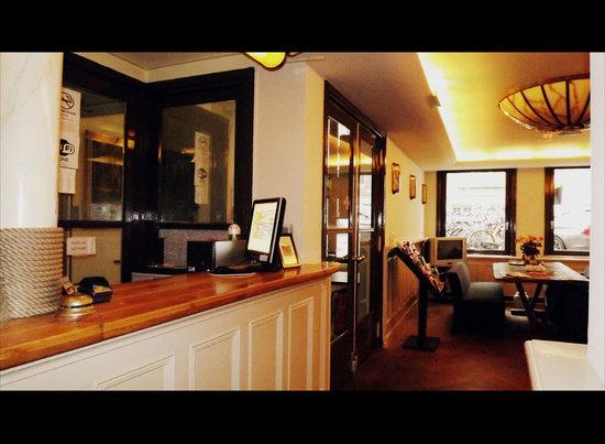 Hotel omega amsterdam bewertungen fotos preisvergleich for Omega hotel amsterdam