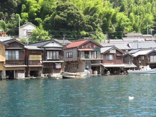 Ine no Funaya: 海からみた舟屋