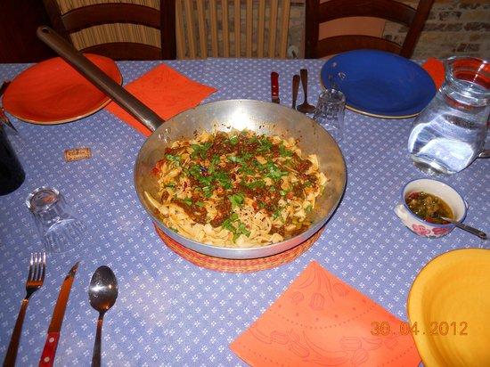 Cucina tipica foto di podere san domenico atri for Cucina atipica roma