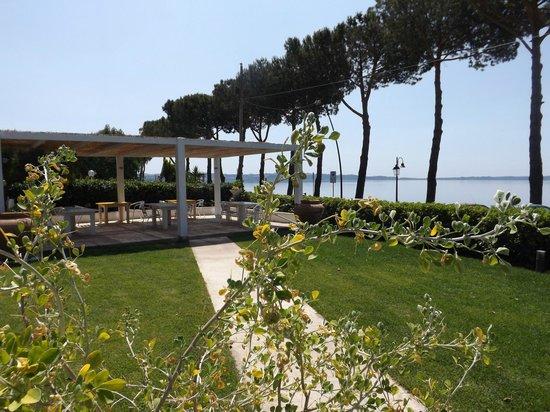 Gazebo prima colazione - Foto di B&B La Terrazza sul Lago ...