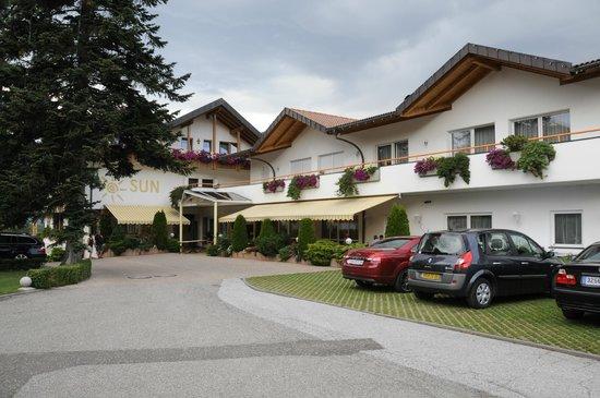 Hotel Sun: vue de l'entrée