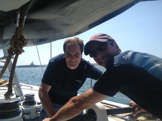 Next Level Sailing : Working the grinders