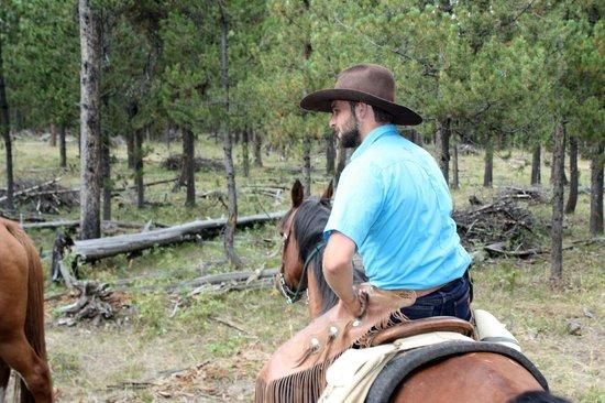 Yellowstone Horses - Eagle Ridge Ranch : Guide Travis