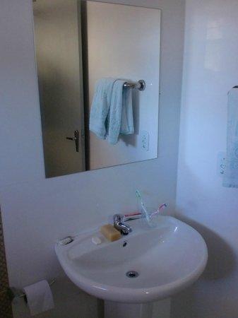 Dom Pedro I Palace Hotel: baño remodelado