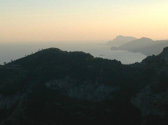 Nido Verde : uno degli splendidi panrami sulla costiera da Agerola.