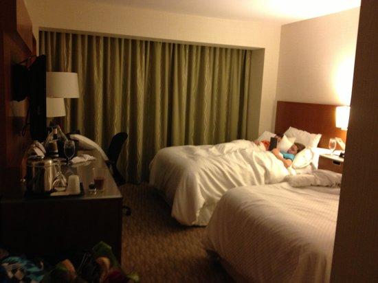 The Westin Calgary: 2 queen beds 4th floor