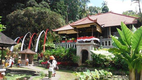 Tirta Ayu Restaurant , The Water Palace , Tirtagangga : Tirta Ayu