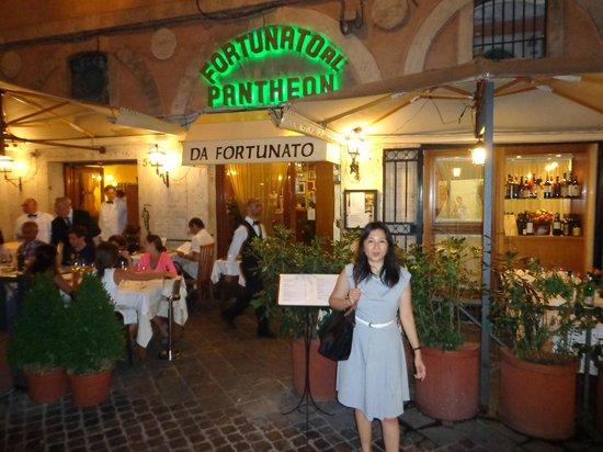 Da Fortunato al Pantheon: Relax.  Order the artichoke.  Pretend you are not a tourist.  You will be fine.