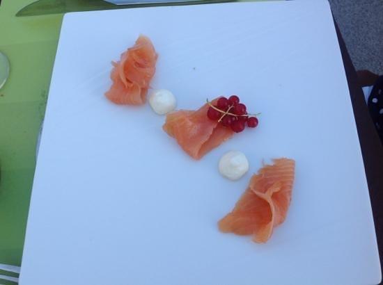 La Ferme de Villeneuve : saumon fumé (menu enfant)